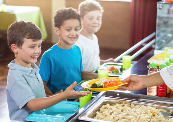 Kindertagesstätte wird verpflegt mit frischen Convenience Produkten von MENÜPLAN